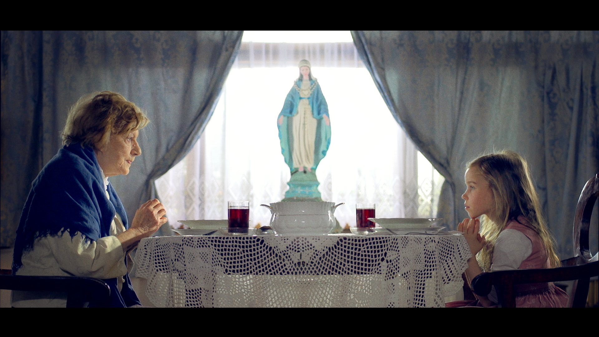 Kadr z filmu Hosanna